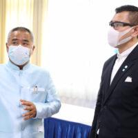 ผู้ช่วยรัฐมนตรีประจำกระทรวงแรงงาน รุดประกันสังคม เยี่ยมศูนย์ปฏิบัติการรองรับสถานการณ์แพร่ระบาดของไวรัสโคโรน่า 2019 (Hot Line COVID–19)